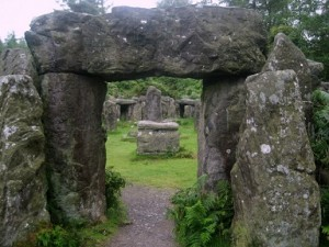 Druid's_Temple_-_a_mini_Stonehenge_-_geograph.org.uk_-_1419678